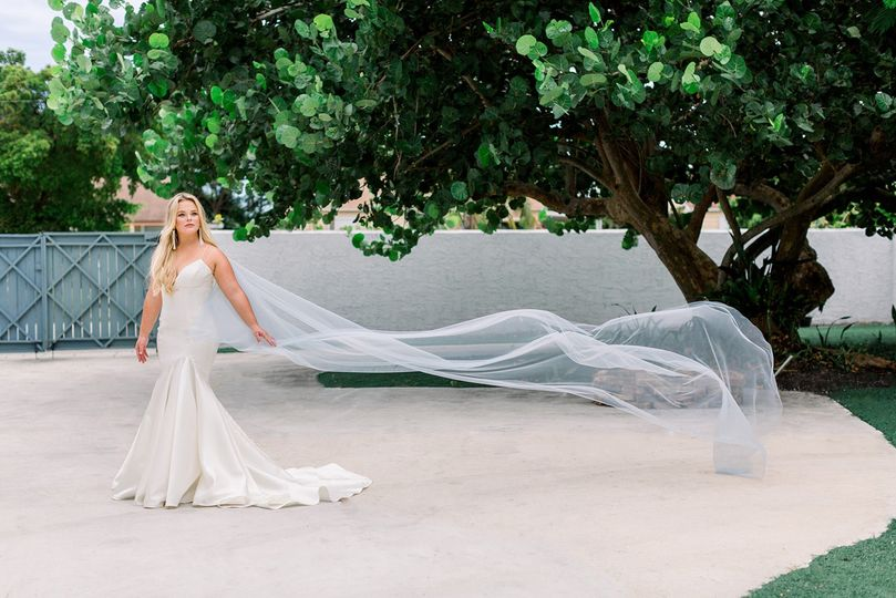 bridal cape champagne and grit 2 51 973158 1570302916