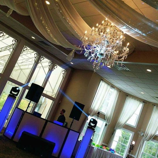 Silver package and photo booth at the beautiful Sky View Golf Club
