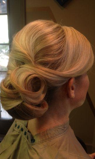 Wavy bun hairstyle