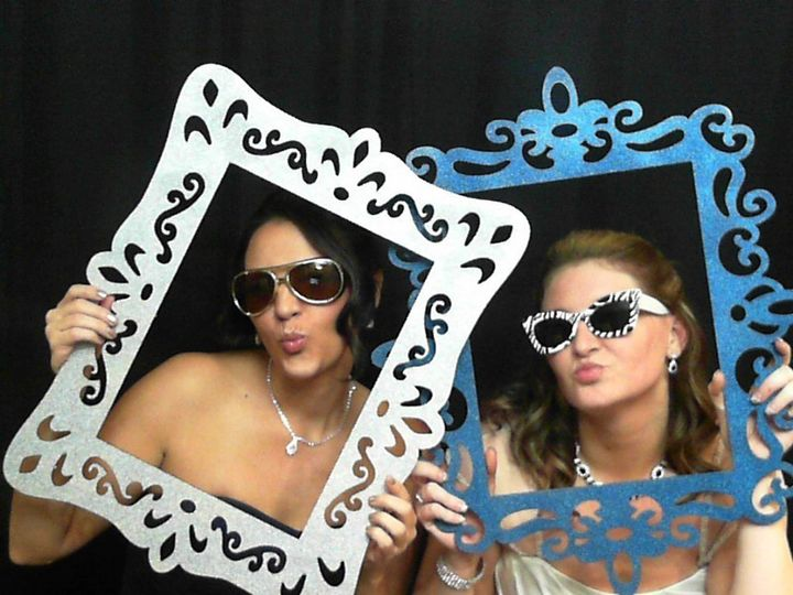 Press Pose & Print Photo Booths, LLC