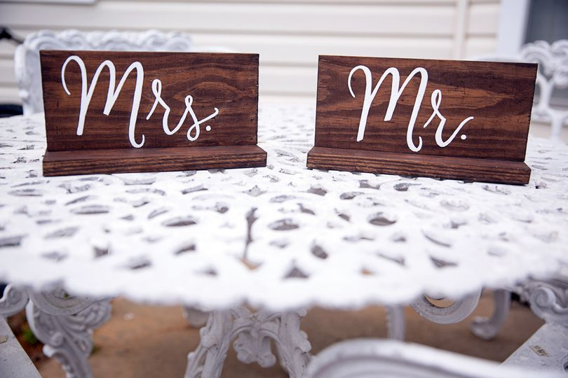 Customizable Mr. & Mrs. table signs. Can be made in any stain color or word color to match your...
