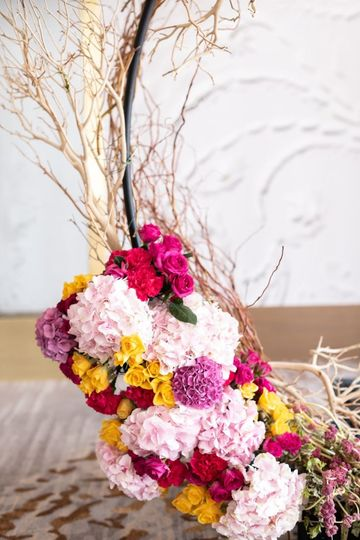 Beautiful vintage theme flower arrangement