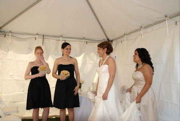 Bride chatting with Brides Maids before ceremony. Olympia, Washington