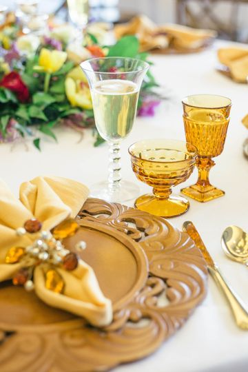Beautiful tablescape decor