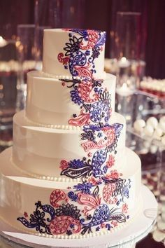 Cake with flower designs