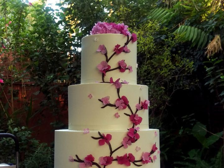 Tmx 1532552391 B8b287f597c2b739 1532552390 A1d0ddbe00c45766 1532552390762 2 Blossom Los Angeles, California wedding cake