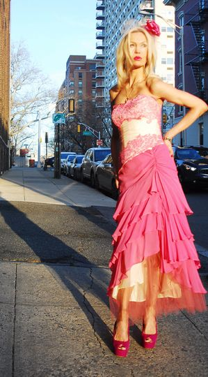 pink gown spanish