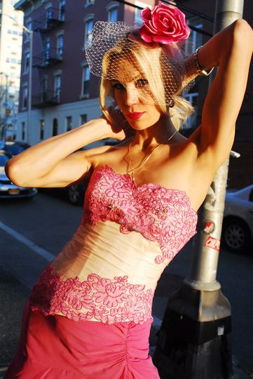 pink gown spanis