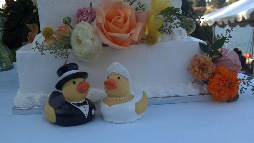 Wedding cake with rubber ducks