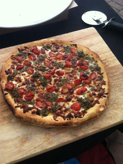 sliced pizza pesto