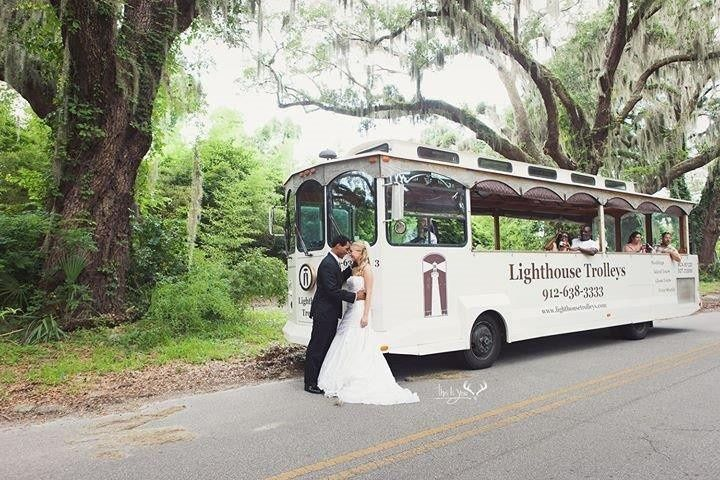 trolley wedding picture