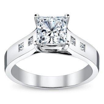 Classing diamonf ring