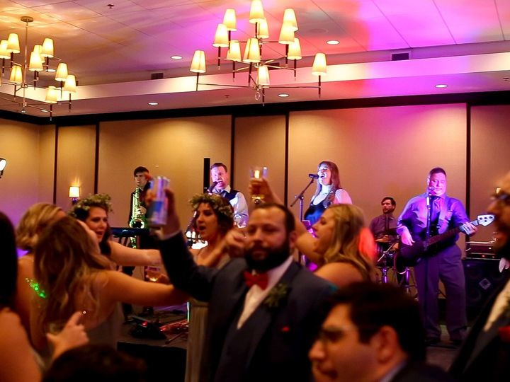 Tmx 1539054239 Fecd5e891927c205 1539054238 F5b186c726ed8efc 1539054238495 3 Band And Dancers C Fort Wayne, IN wedding band