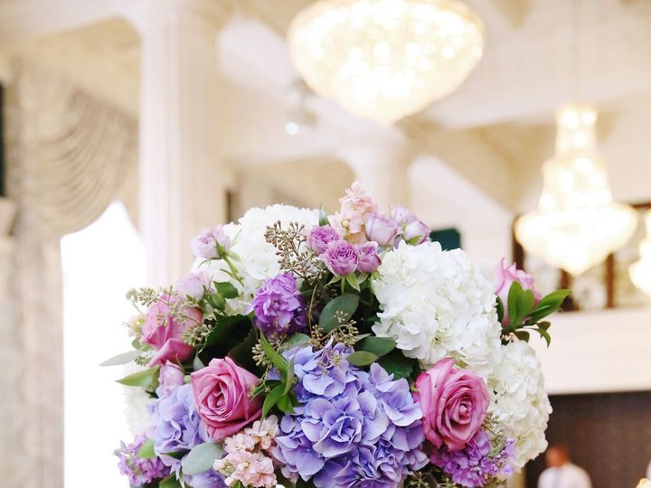 Tmx 1530213079 03df7cfed78a4108 1530213077 8f79e8c2307e7cfc 1530213063452 1 Karyn May Photogra Grand Rapids, Michigan wedding florist