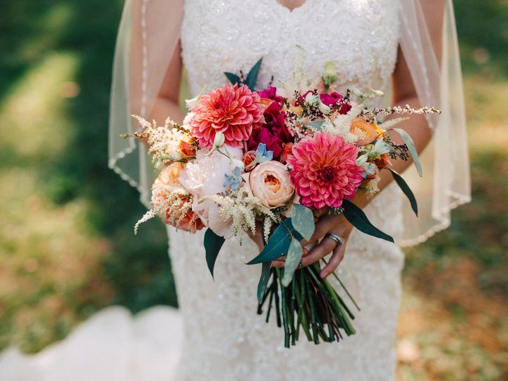 Tmx 1530214236 996056e8dd9d64cf 1530214234 5ed181df50846096 1530214216534 3 LindyBeth Photogra Grand Rapids, Michigan wedding florist
