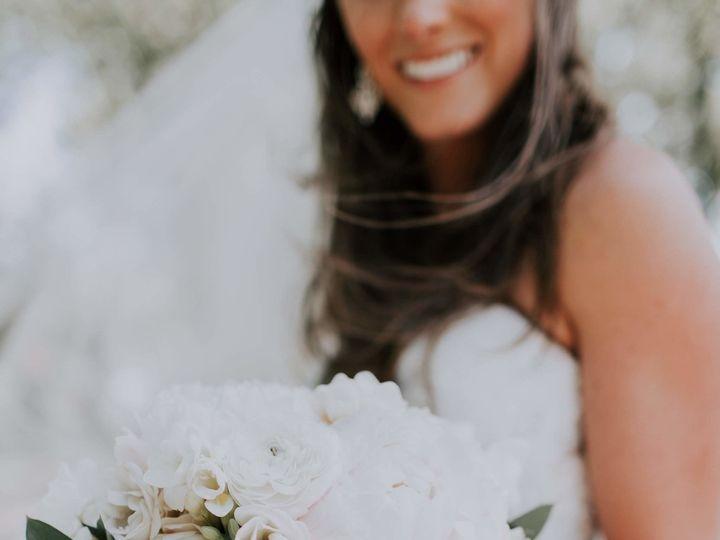 Tmx 1530214239 Ab86b758da0ceb0f 1530214237 8ee9671cc1724eb8 1530214229874 4 Vafa Photography Grand Rapids, Michigan wedding florist