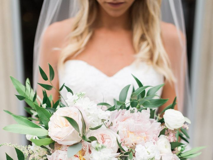 Tmx 1530220708 7da9ba0af9df1fa4 1530220706 C6176cb0f31c995c 1530220686963 6 Laurenda Bennett Grand Rapids, Michigan wedding florist