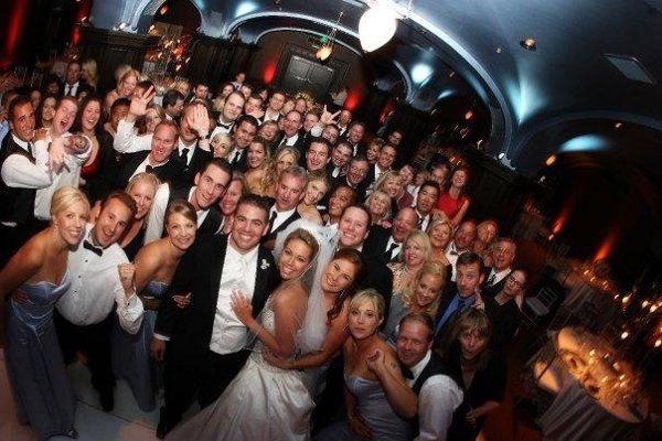 weddingPartyAndGuestsOnDanceFloor