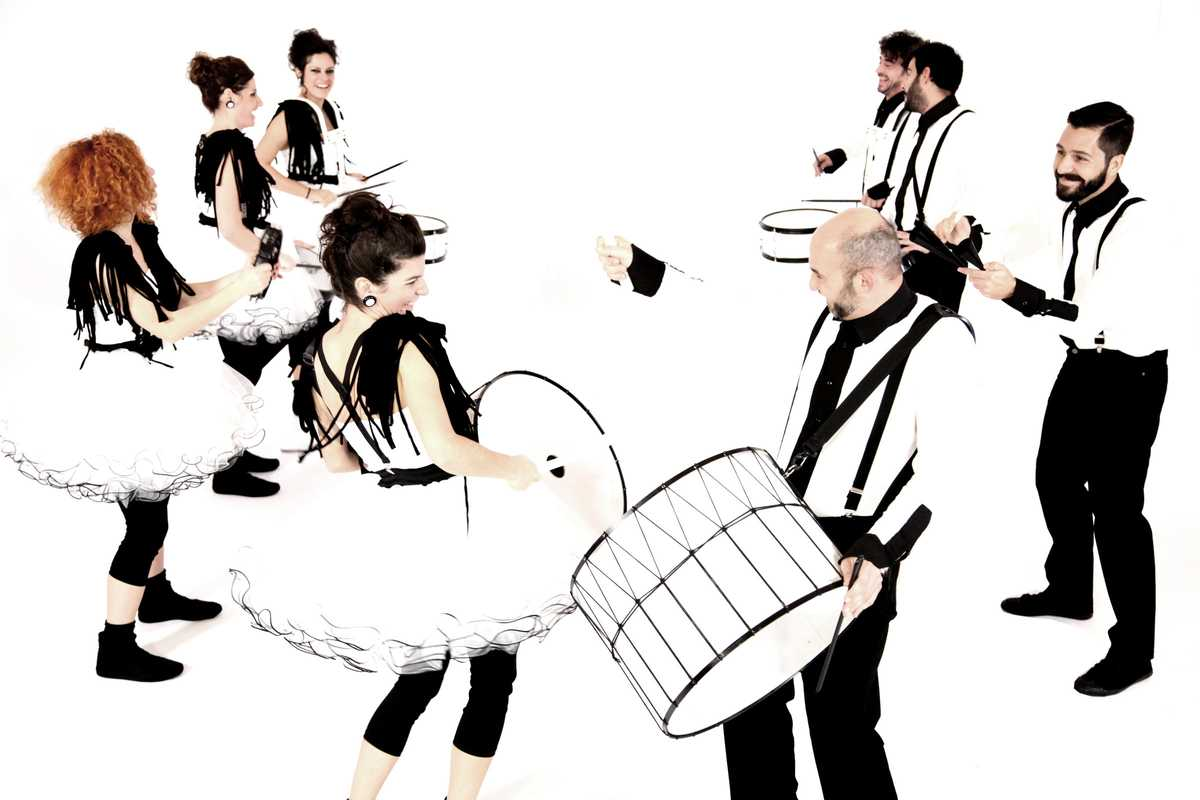 Black & White Drums