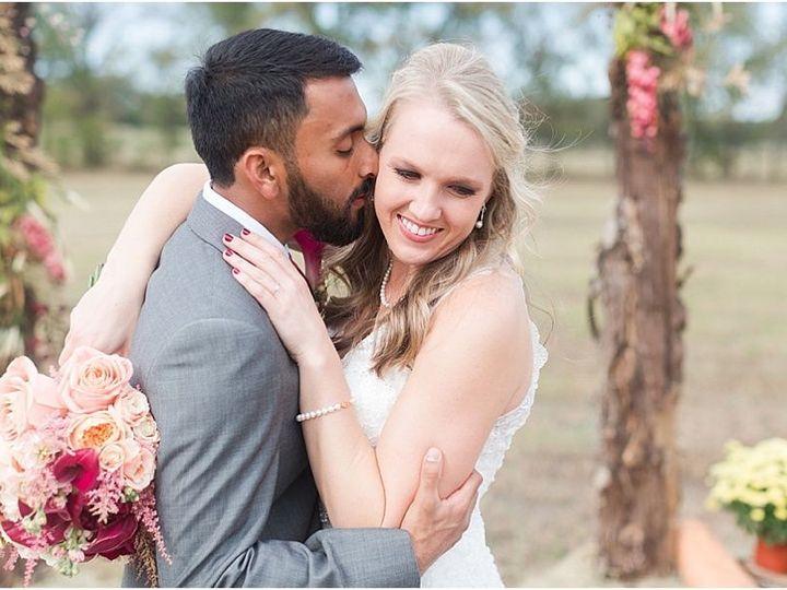 Tmx 1515552398 78005c312577bc7a 1515552397 2a1cd3a73c2d6384 1515552375052 30 Harper Hadley Eve Cedar Rapids, IA wedding planner