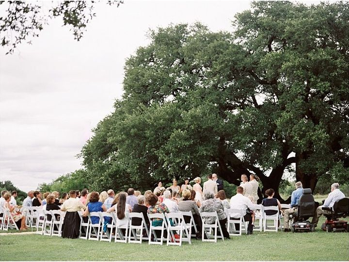 Tmx 1515552517 9c84d4e8d2565844 1515552514 A1ac83f3ab72b759 1515552507475 8 Five Oaks Farm Tex Dallas wedding planner