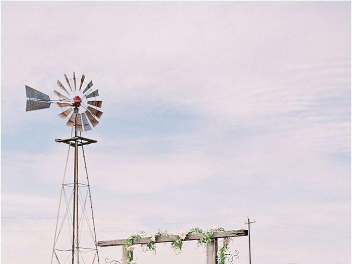 Tmx 1515552593 Eef37b0150f6c6ce 1515552591 A2c2b8467e471390 1515552585728 9 Five Oaks Farm Tex Cedar Rapids, IA wedding planner