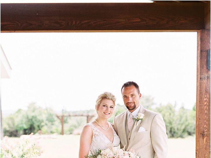 Tmx 1515552925 A8516a45558a22f3 1515552922 93e51ee02b4c33dd 1515552920766 1 Five Oaks Farm Tex Cedar Rapids, IA wedding planner