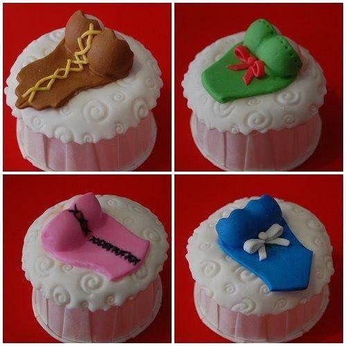 Corset cupcakes for a Bachelor or Bachelorette (bridal Shower) As a Souvenir or as a perfect single...