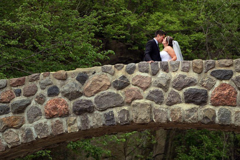 Bridge kiss Brian L Garman Photography