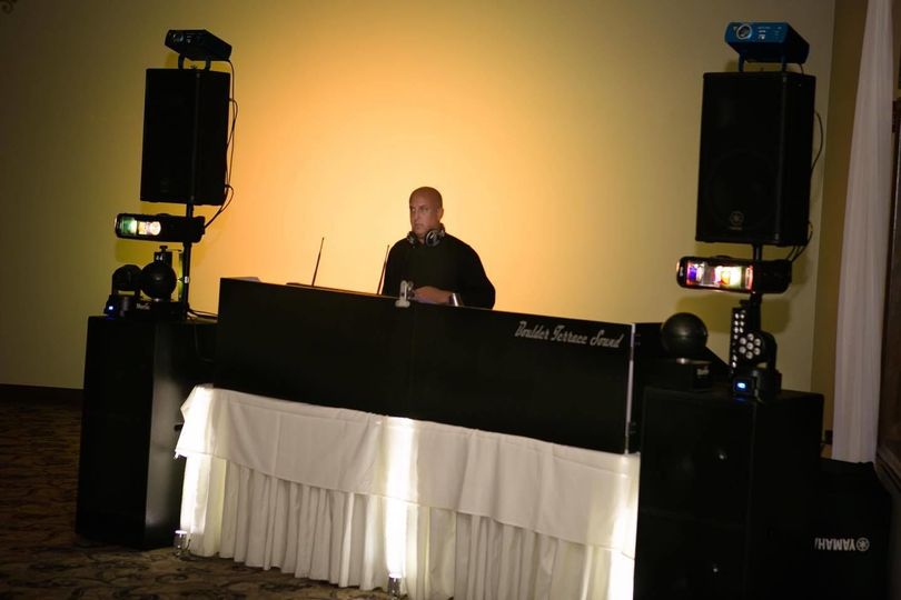 Dj station at the reception