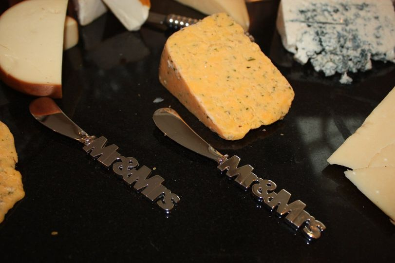 Mr. and Mrs. Cheese Spreaders