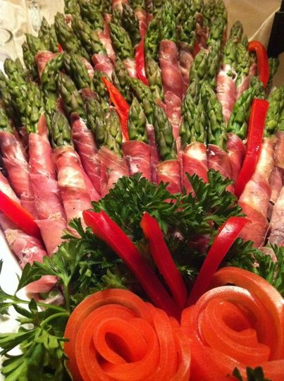 asparagus wrapped in prosciuto