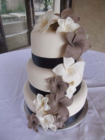The Sugarplum Cake Shoppe Wedding Cake Colorado Springs CO