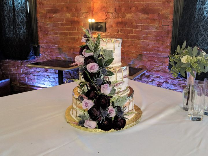Wedding cake with purple tone
