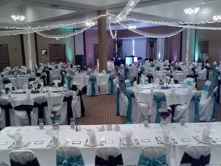 Head table and round tables