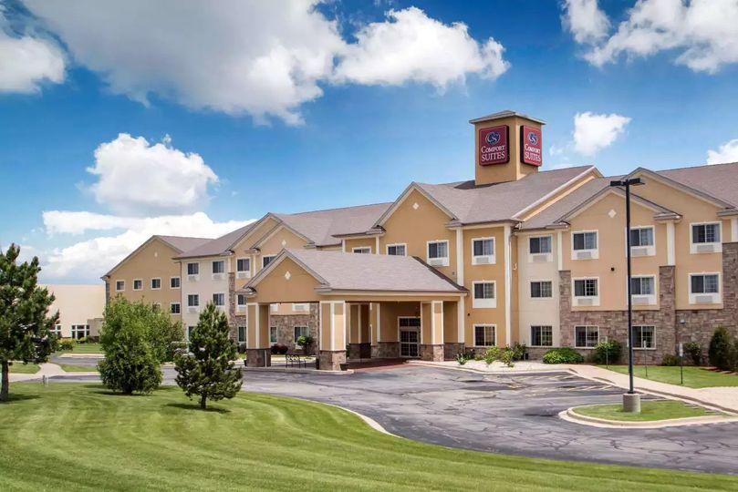 comfort suites johnson creek 01 51 84758 158221175945564