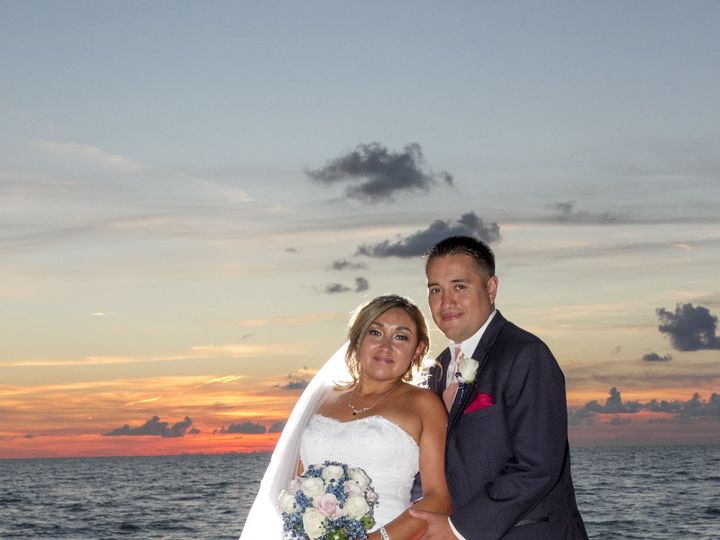 Tmx 1522777120 152bcaac27b581a4 1522777116 Ea4896e29b0c31ae 1522777085456 12 Sample 0271 Clearwater, FL wedding photography