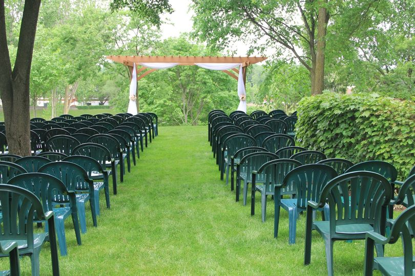 Sommer Garten Ceremony Space