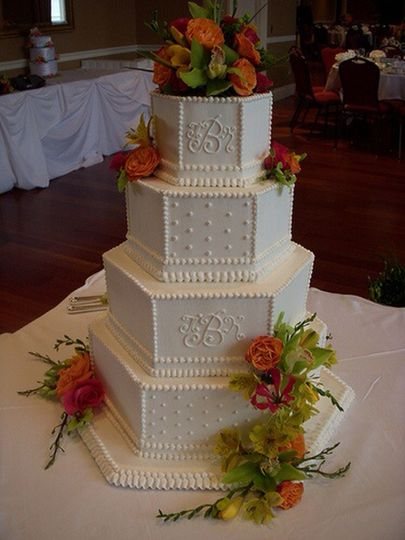 Intricate wedding-cake icing