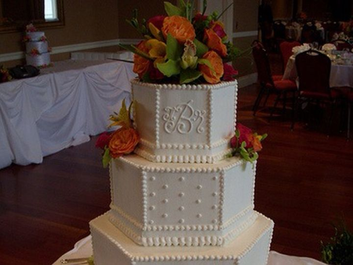Tmx Bead Emblazened Cake 51 643858 160208621047490 Los Angeles, CA wedding catering