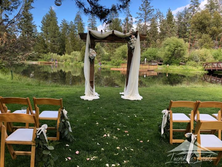 Tmx Aspen Hall Barnwood Arch With Natural Wood Chairs 51 473858 162095930594935 Bend, OR wedding rental
