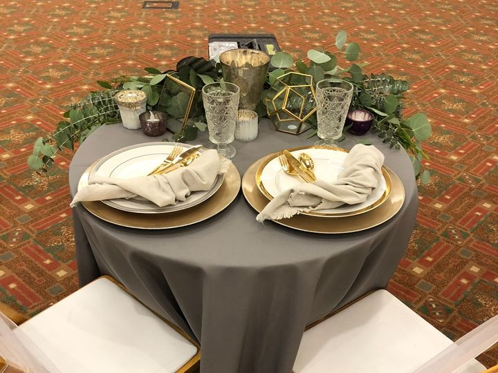 Tmx Sweetheart Table With Decor By Shine Events 51 473858 162096017925129 Bend, OR wedding rental