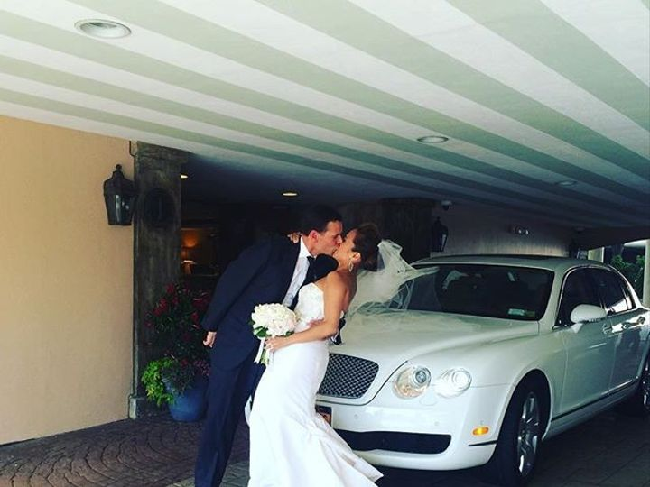 Tmx 1462200025898 1312927417163708886292301210816968n White Plains, NY wedding transportation