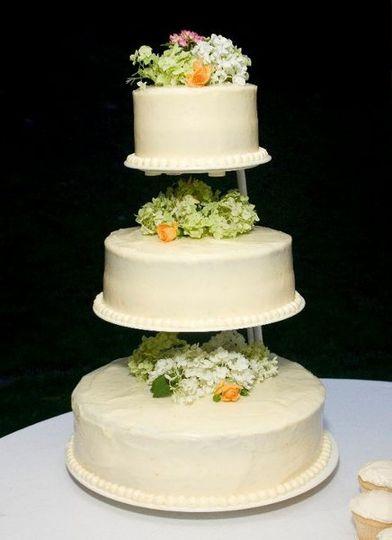 delightful designs wedding cake oneonta ny weddingwire. Black Bedroom Furniture Sets. Home Design Ideas