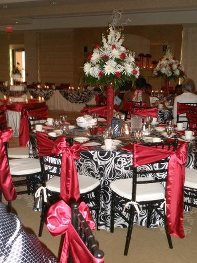 Black, white and red wedding reception decor