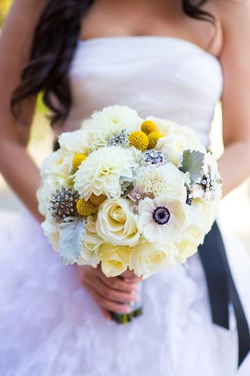 Florals by jenny flowers laguna beach ca weddingwire 800x800 1362442051131 2feathersgold02152352919476o 800x800 1362442115695 rrimg037 800x800 1362442172454 423699101511358438994691983119404n mightylinksfo Image collections