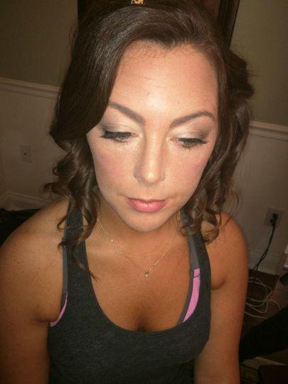 Peachy makeup look