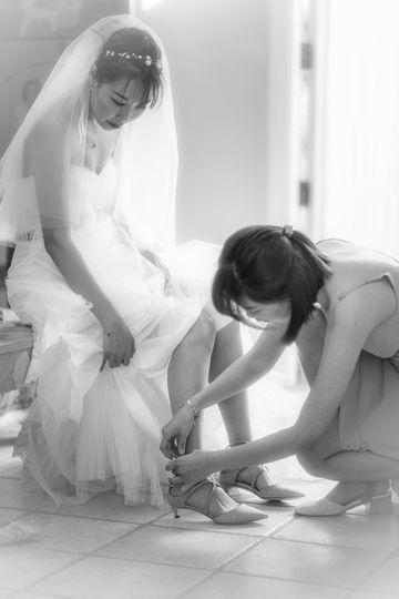 Dressing before ceremony