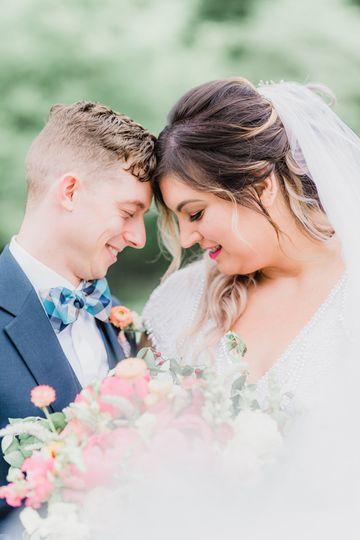 Bright Summer Garden Wedding   Photo by Samantha Zenewicz Photography