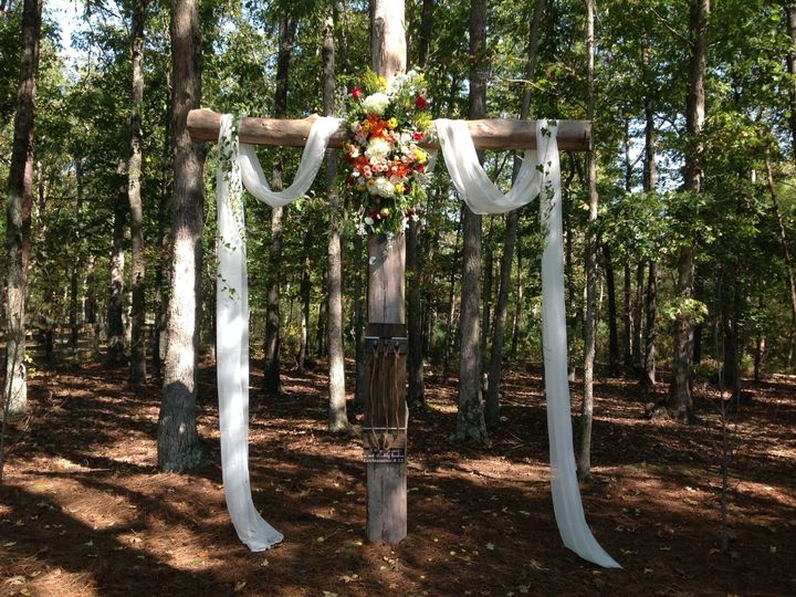 Tmx 1526238549 Aeb1ba8fd583d093 1526238547 237ec46455677492 1526238542786 7 IMG 0186 Carrboro, North Carolina wedding florist